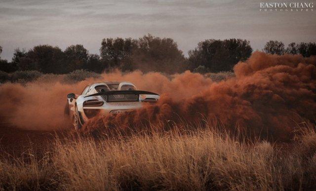porsche-918-spyder-drift-sand-staub