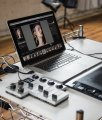 Palette Gear Cart Macbook Studio Parkett Laminat Bildbearbeitung Shooting Fotostudio Photoshop Lightroom Tools Post Processing Retouching Retouch