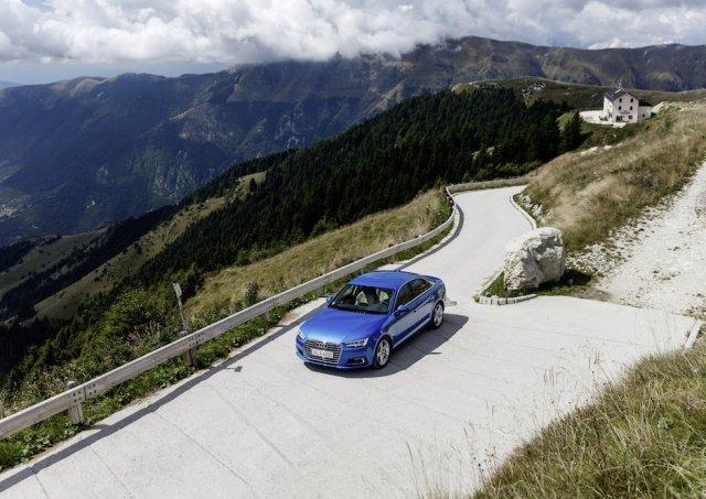Audi A4 Arablau Oben Berge Alpen Bergstraße Front Landscape