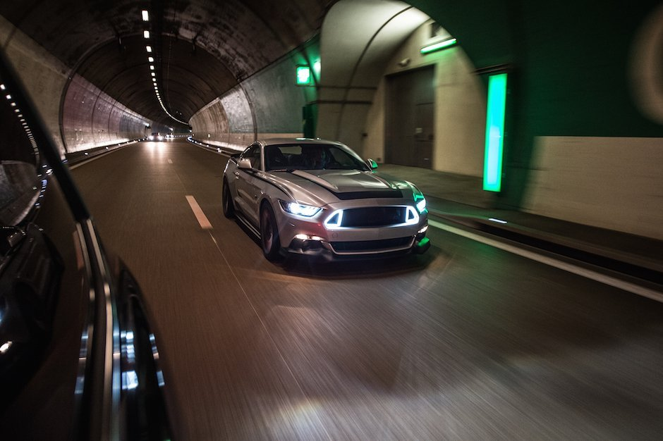 Ford Mustang RTR 2015 Tunnel Luxemburg Tuning Musclecar Ponycar Silber Motion Bewegung Path Blur
