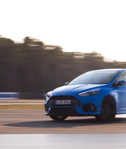 Ford Focus RS 2016 Drift Action Sideways Smoke Rennstrecke