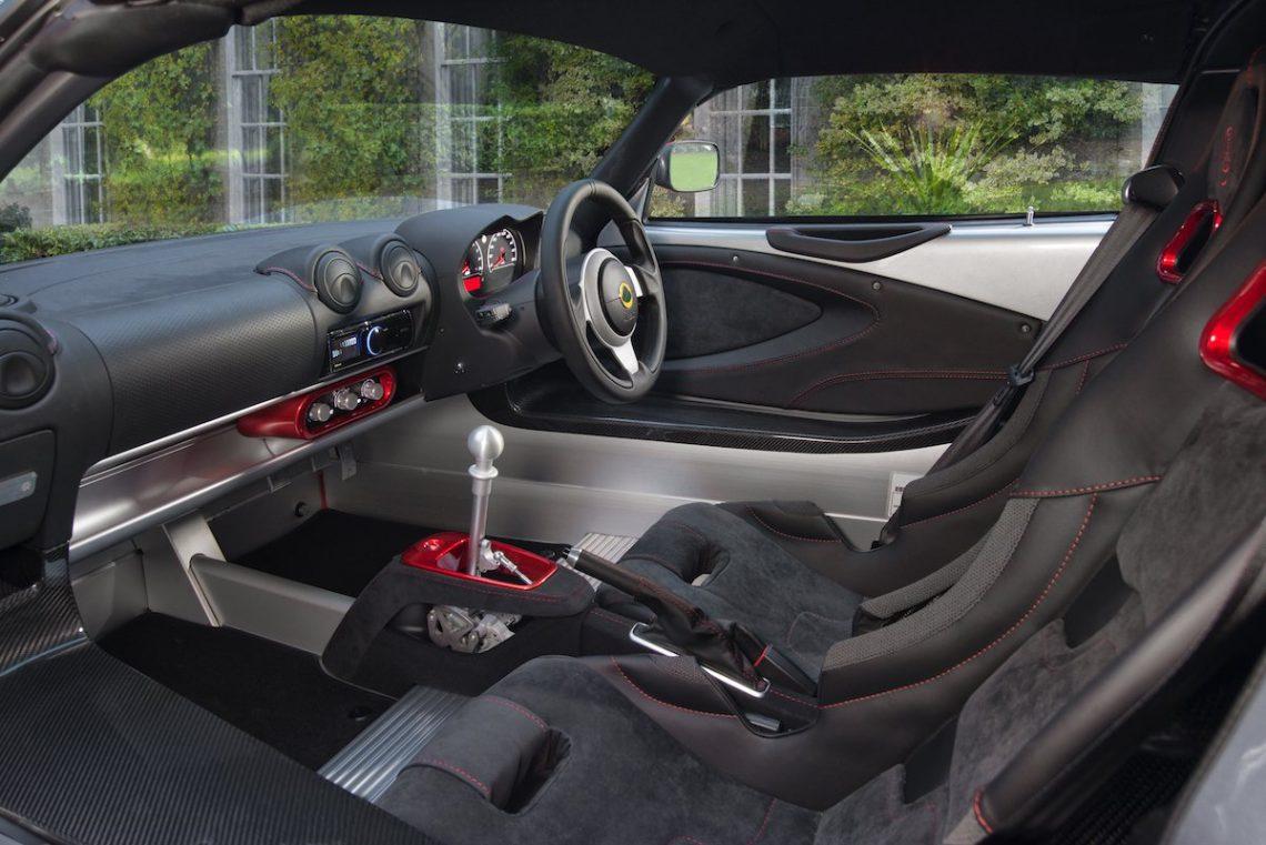 Lotus Exige Sport 380 Interieur Interior Innenraum Cockpit Sportsitze Alcantara Leder