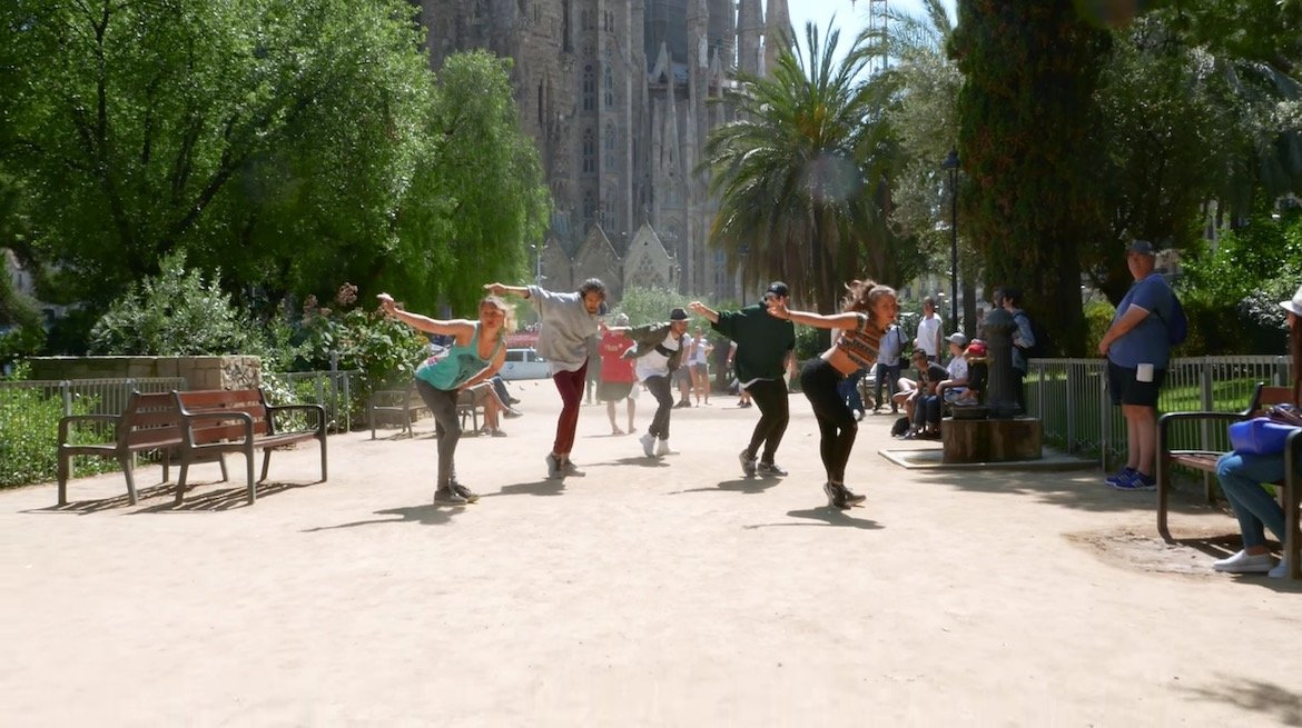 Tobias Ellehammer Michael Jackson Birthday Black or White Dancing Dance Choreography Choreographie Worldwide global international spain spanien barcelona staub park sommer tanz La Sagrada Familia