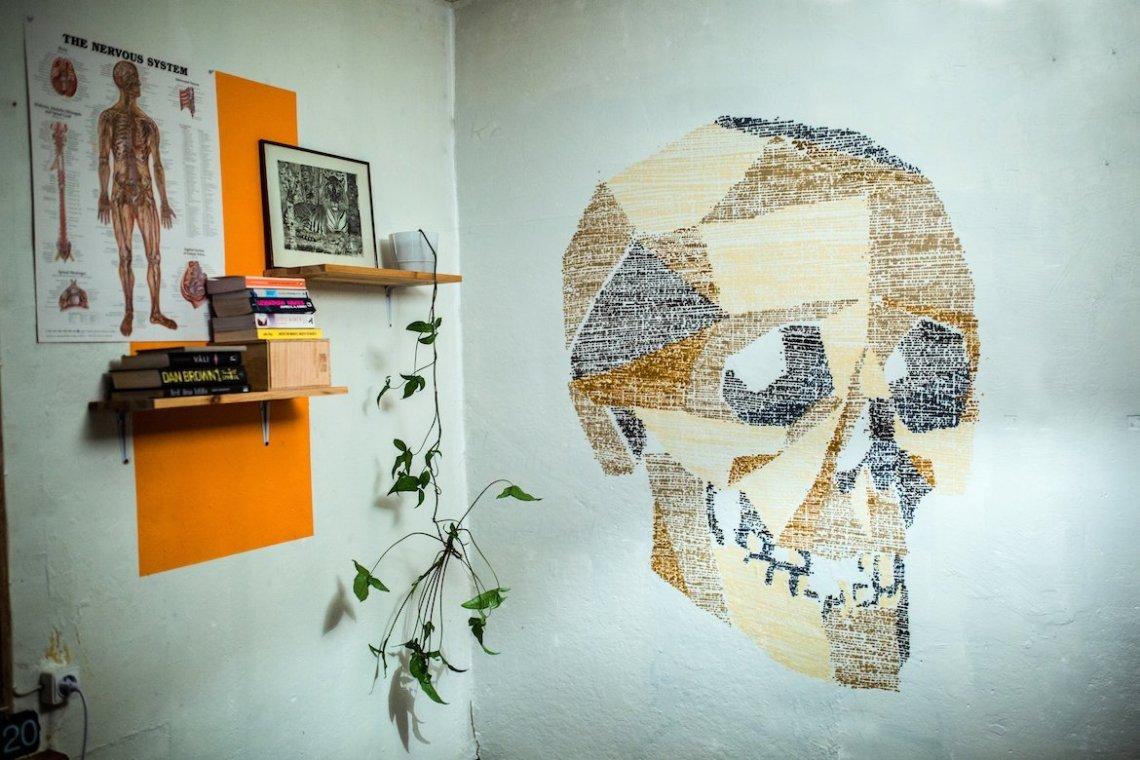 SprayPrinter Resultat Artwork Jukka Hakanen Totenkopf Wand Wohnung Kreativ Design