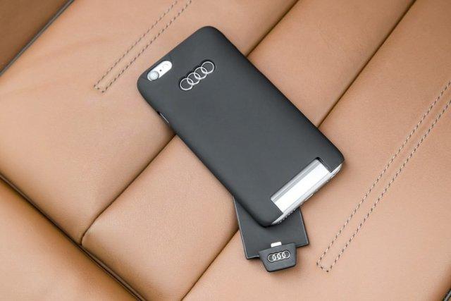 Audi A5 Cabriolet 3.0 TDI Audi induktive Ladehülle für iPhone 6s Qi Plattform Lightning Anschluss