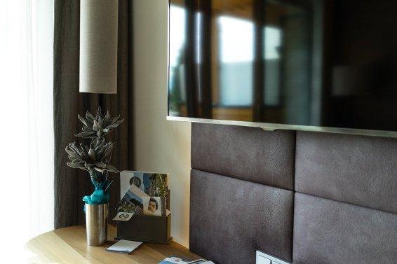 Alpiana Resort Wellness Hotel Lana Merna Südtirol Interieur Fernseher