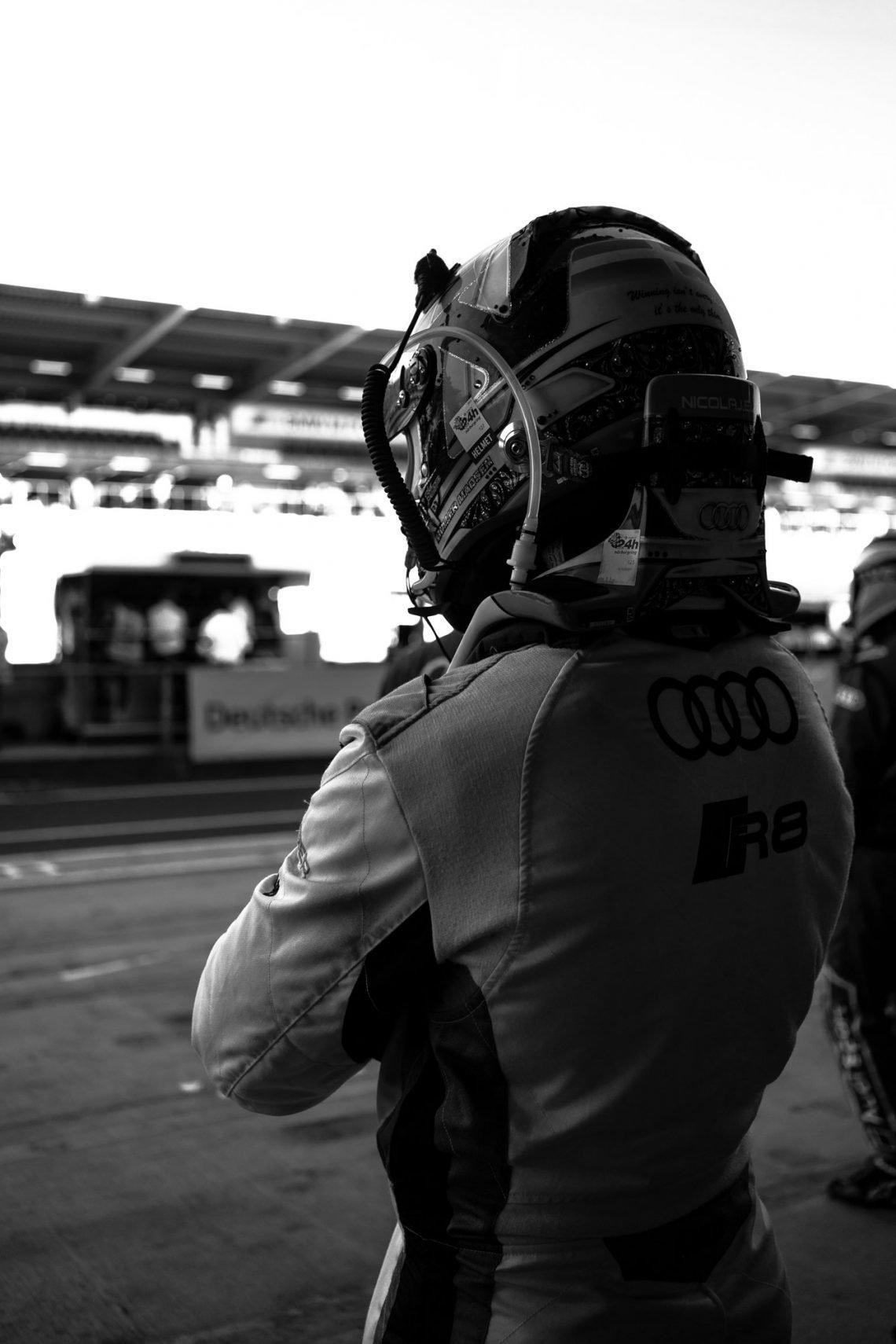 45. ADAC Zurich 24h Rennen Nürburgring Phoenix Racing Nicolaj Moller Madsen BW Anspannung Konzentration
