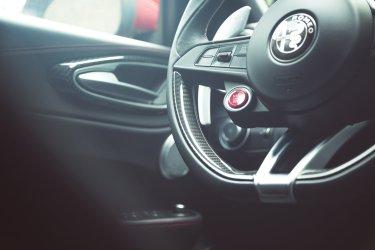 Alfa Romeo Giulia Quadrifoglio Carbonlenkrad