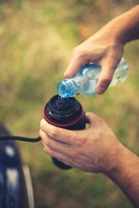Espressomaschine mit Wasser füllen