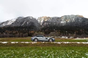 Berge Wiese Sportwagen Grau Schnee