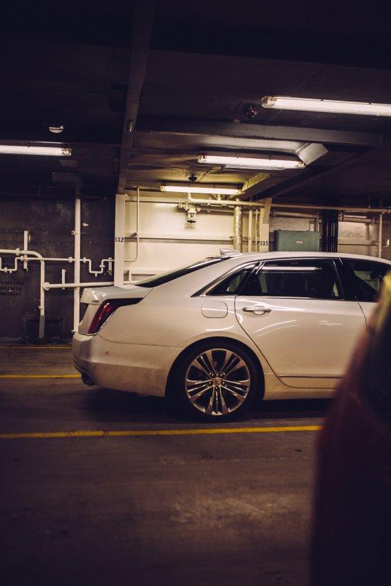 Cadillac CT6 Limousine Fähre Auto Deck