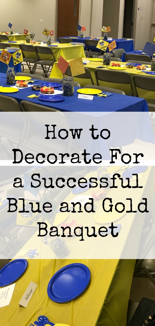 How to Decorate for a Blue and Gold Banquet