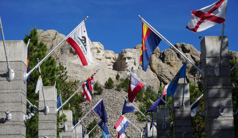 The Ultimate Guide to See Mt. Rushmore and the Badlands in One Day