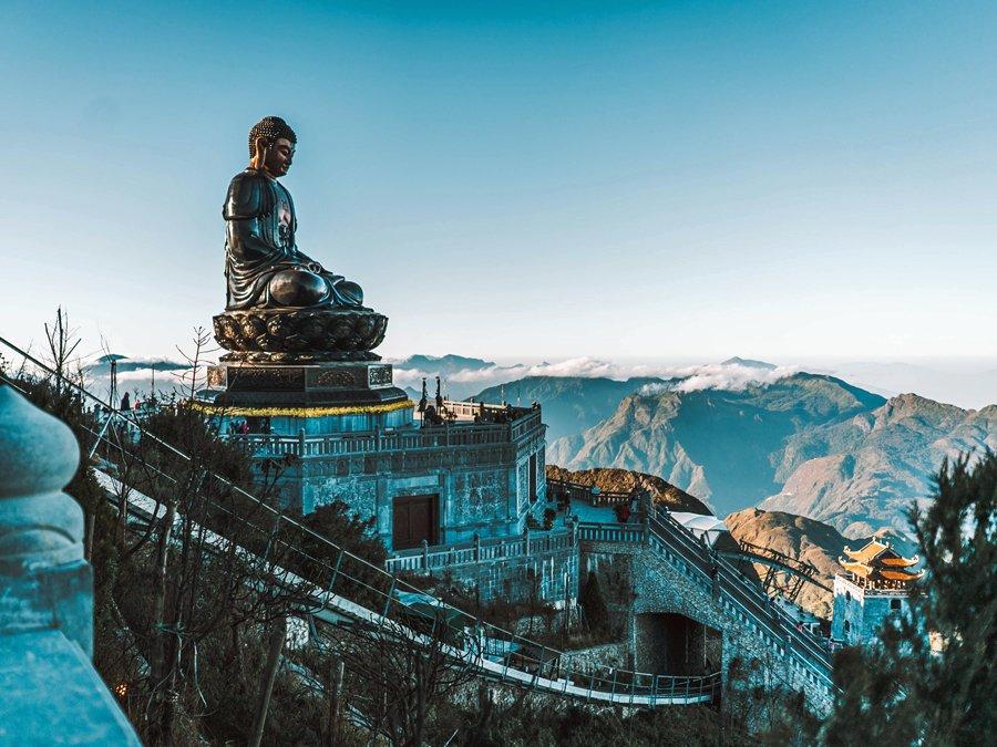 The Grand Buddha, Fabsipan peak, Vietnam