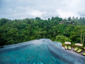3-take-a-dip-in-one-of-the-multi-layered-infinity-pools-at-the-hanging-gardens-in-ubud-while-surrounded-by-a-lush-and-tranquil-jungle-1024x768