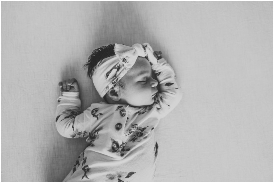 lifestyle-newborn-at-home_0009.jpg