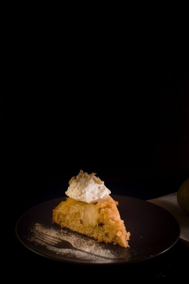 Caramelized pears upside down cake