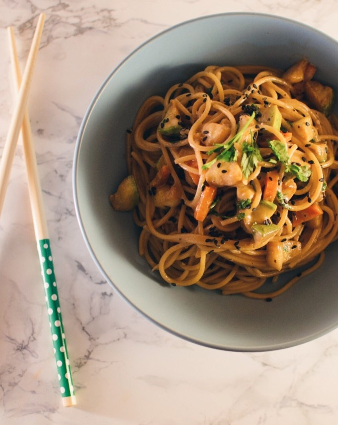 Tahini and vegetables whole wheat pasta