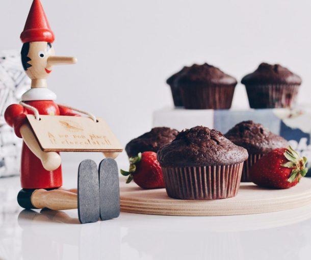 Mini-keke me kakao, cokollate dhe miell thekre