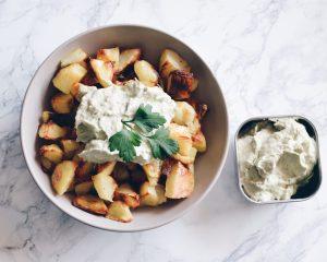 Baked potatoes with aioli sauce