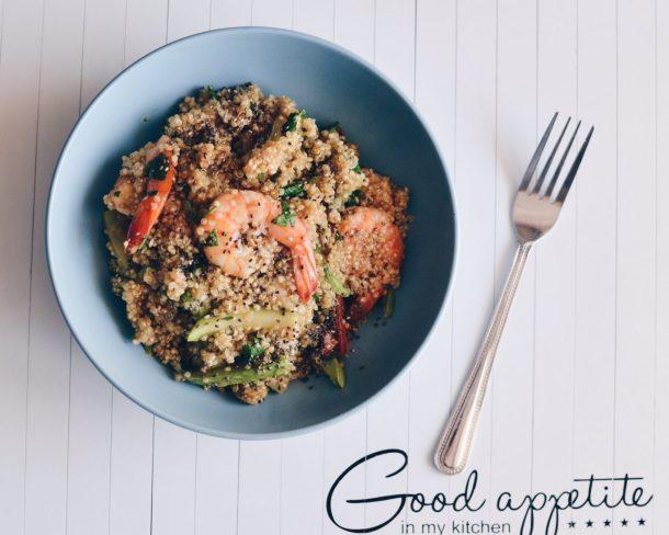 Quinoa with shrimps & zucchini