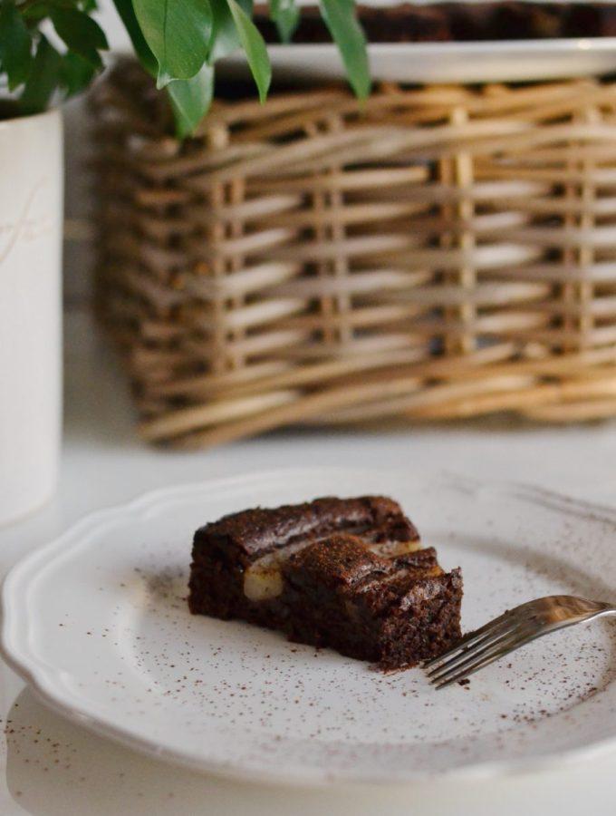Torte me cokollate dhe dardhe