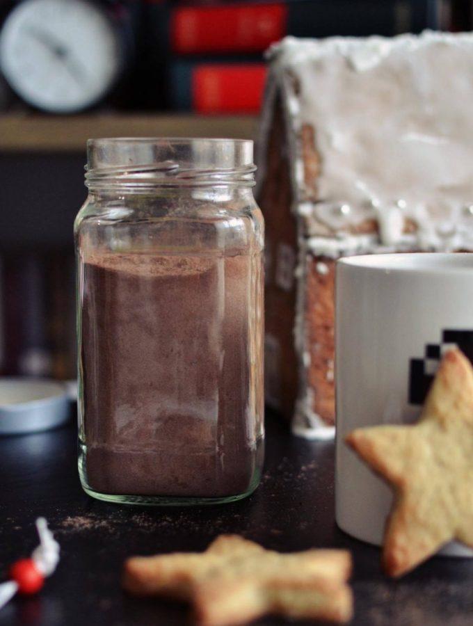 Miks për çokollatë të ngrohtë të bërë në shtëpi