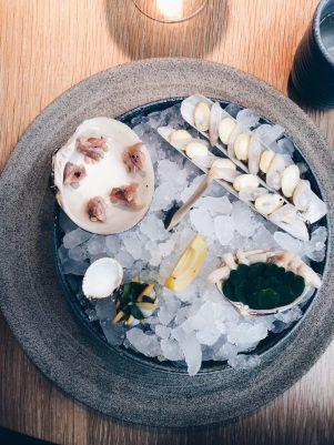 Seafood platter: carpet clam, venus clam, mahogany clam, razor clam