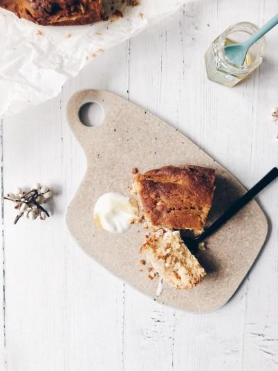 Albanian honey cake