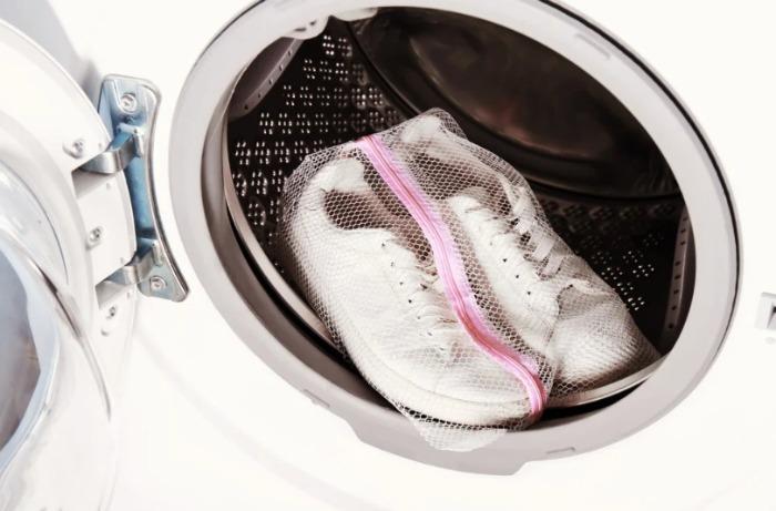 Шесть полезных хитростей во время стирки одежды