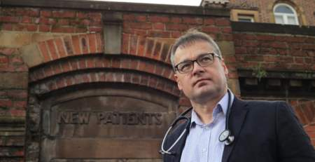 EU doctors Brexit dilemma - do we stay or do we go - The Mandatory Training Group UK -
