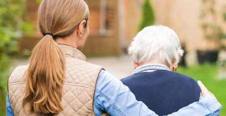 How dementia carers can find strength through their work, according to a psychologist - The Mandatory Training Group UK -