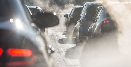 "Air pollution: Doctors demand action over ""public health crisis"""