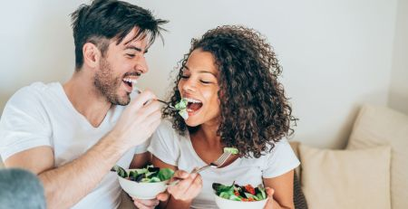 Eat your veggies! Healthy lifestyle can give skin 'golden glow', study suggests - MTG UK