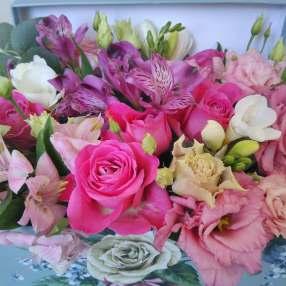 Speciality flower box