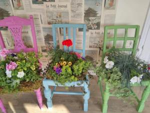 Plant Chairs