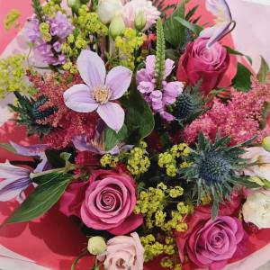 seasonal flowers in aqua pack