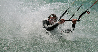 raglan kitesurfers