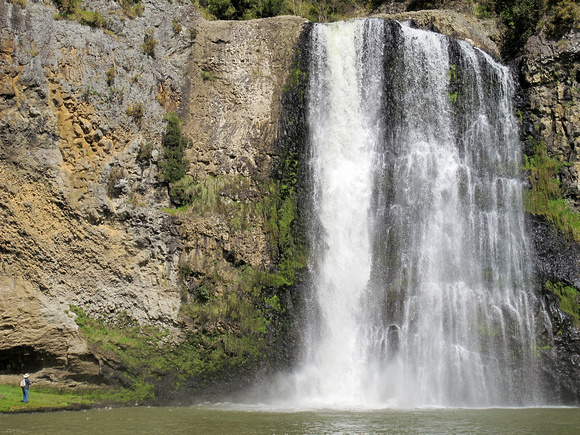 Mandeno Moments: Hunua Falls &emdash;