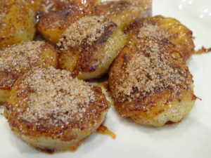 Cinnamon Fried Bananas – M&M Hit The Road