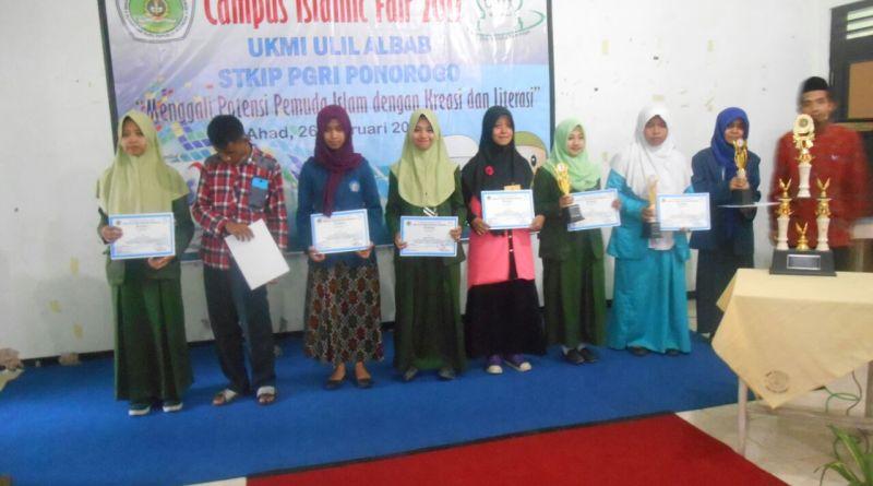 MAN 2 Ponorogo Juara 2 Lomba Menulis Puisi Islami