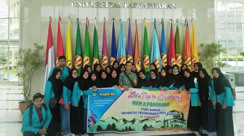 Tour Bandung dan Kunjungan Kampus Universitas Padjajaran MAN 2 Ponorogo