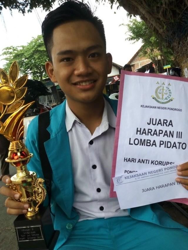 MAN 2 Ponorogo, Juara Lomba Pidato Hari Anti Korupsi