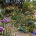 Alan Titchmarsh opens Greenfingers garden