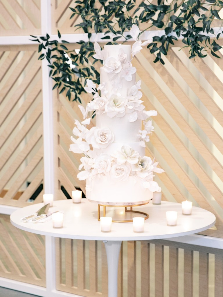 Peggy Liao Wedding Cake All White With White Roses At The Lane San Diego