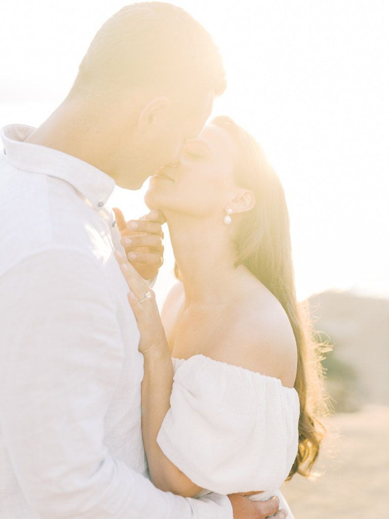 Best place to elope in San Diego, light and airy engagement photos at Sunset Cliffs