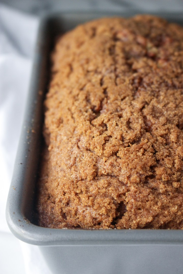 cinnamon loaf with crispy cinnamon streusel topping