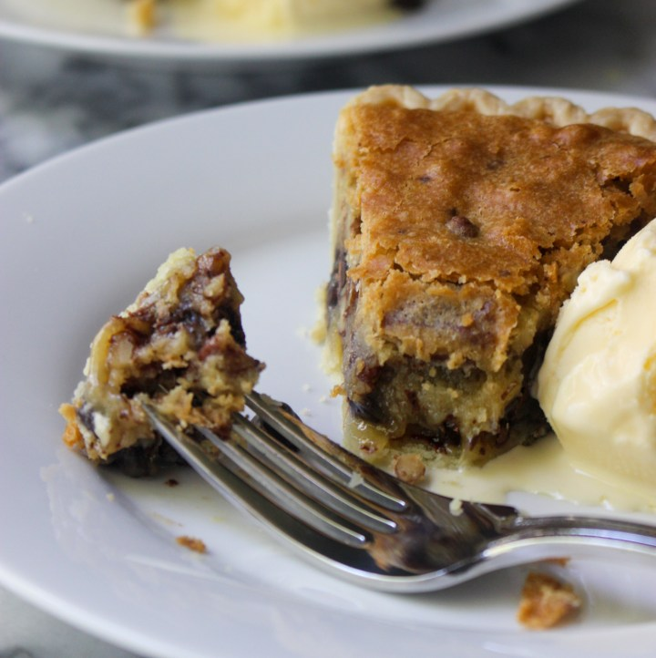 chocolate chip cookie pie with ice cream
