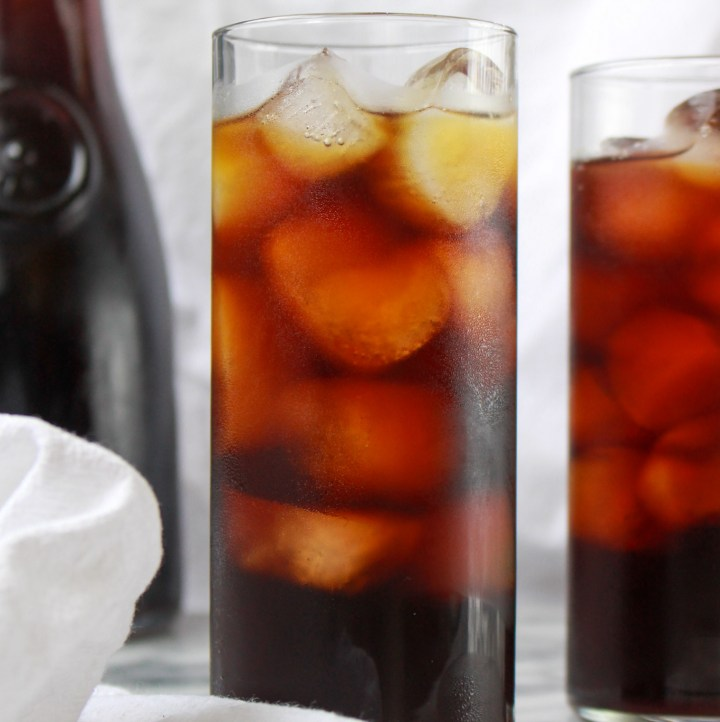 glass of cold brew with ice