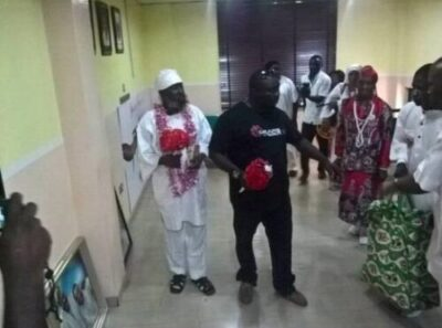 792de-2 Guru Maraj Makes Rare Appearance At Yinka Ayefele's FreshFM, Ibadan (Photos,Video)